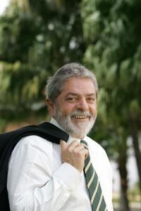 Lula prepara sua volta.